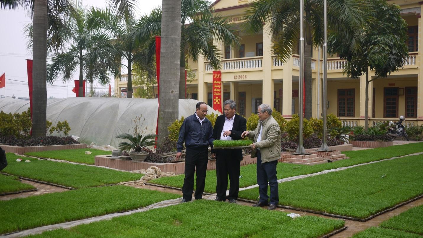 """Nghiệm thu sản phẩm sản xuất thử nghiệm dự án """"Áp dụng công nghệ sinh học để sản xuất giá thể mạ và mạ khay công nghiệp phục vụ cơ giới hóa trong sản xuất nông nghiệp tại Thành phố Hà Nội"""""""