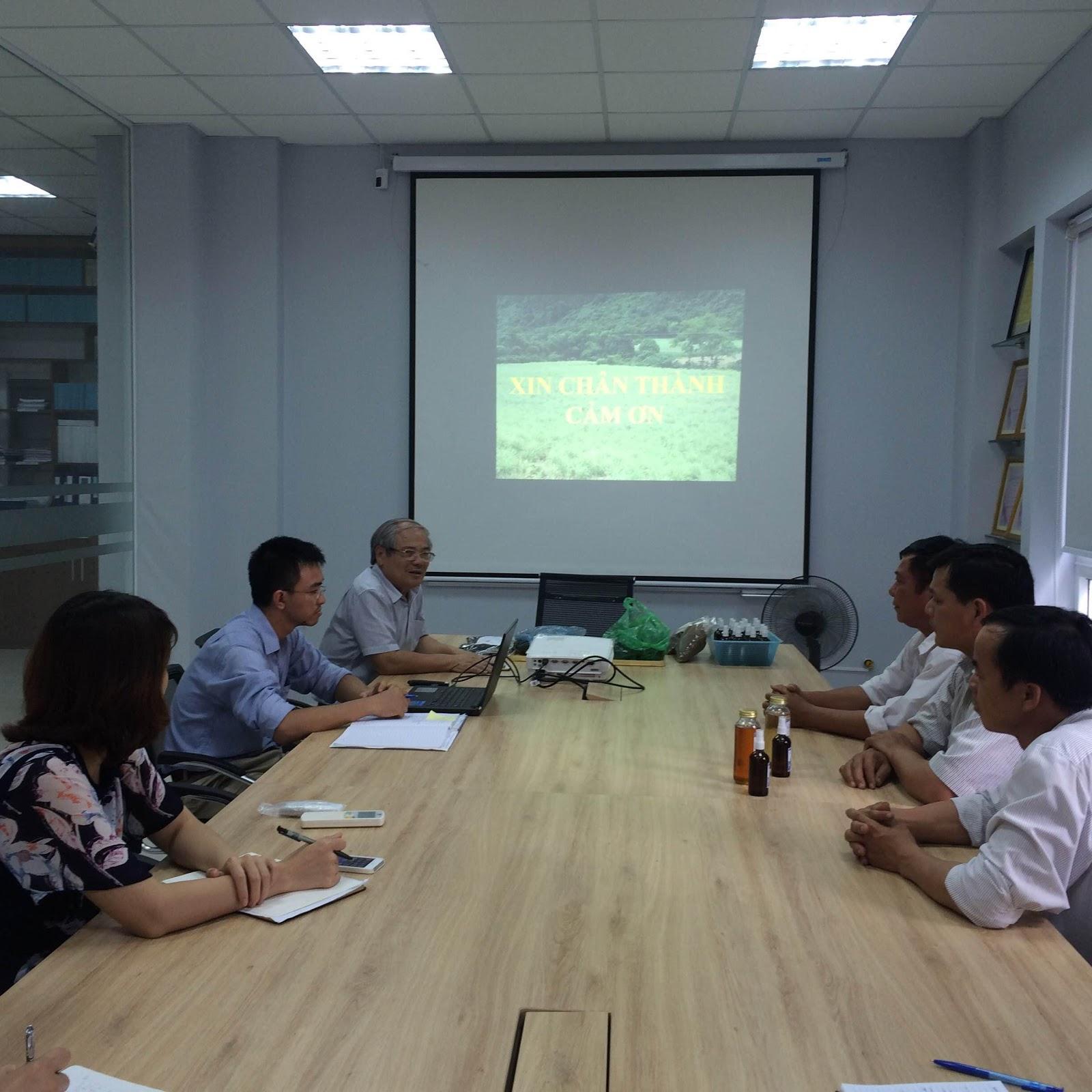 Hợp tác sản xuất tinh dầu với HTX Sản xuất và chế biến tinh dầu Sả Tân Trào , xã Ea Tir, huyện Ea H'leo, Dak Lak.