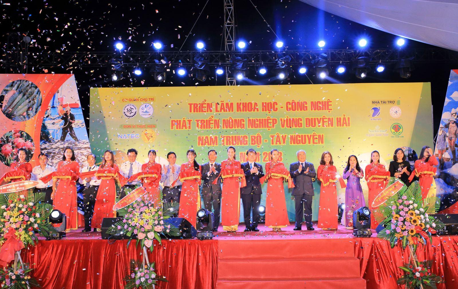 """Triển lãm """"Khoa học và Công nghệ phát triển nông nghiệp vùng Duyên hải Nam Trung Bộ - Tây Nguyên năm 2018"""""""